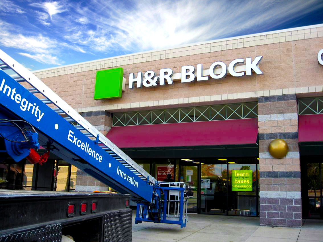 H&R-Block Financial Services Signs